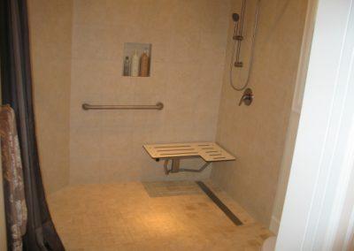seniorlivingbathroom2